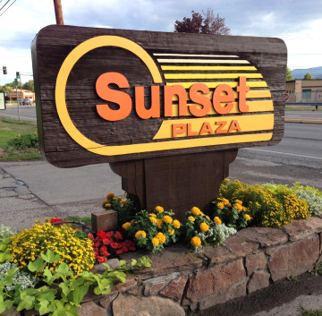 Sunset-Plaza-Sign-Remodel